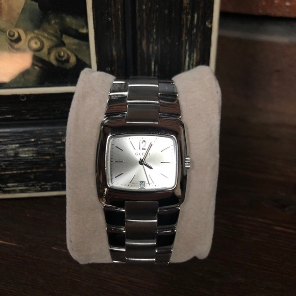 64224c07661 Gucci Accessories - Authentic chain link Gucci silver watch