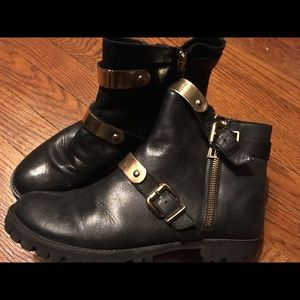 Schutz Leather Ankle Booties Women's size 9B