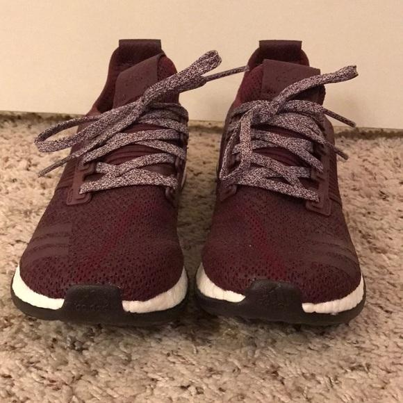 adidas Shoes | Maroon Adidas Tennis