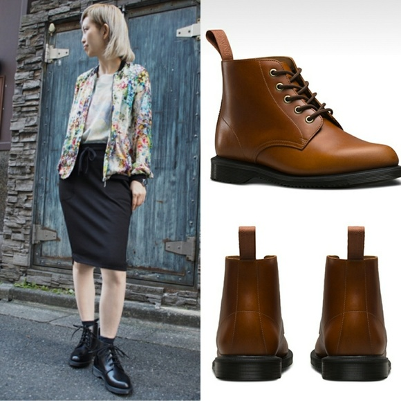 Dr Martens Emmeline Refined Lace Up Leather Boot outlet fashionable free shipping official site free shipping Inexpensive cost online clearance shop RvjhSCdi7c