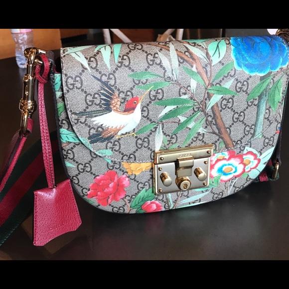 4d4a4b625a8 Padlock medium Gucci Tian shoulder bag
