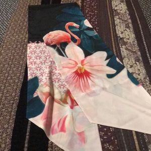 🌷Ted Baker Scarf🌷