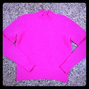 💐Paul Harris. Bright pink sweater.