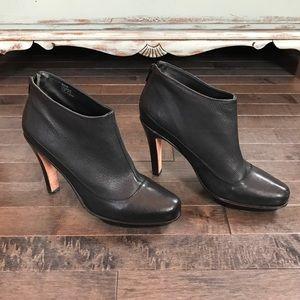 BCBG MAXAZRIA black leather platform booties!!