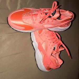 ffff7aab9959 Nike Shoes - Atomic Pink Nike Huarache