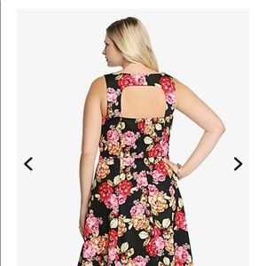 994a7b0684f torrid Dresses - ✂️final   ✂ Floral cotton sateen swing dress
