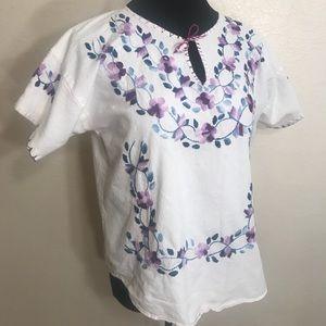 Vintage Tops - Vintage embroidered blouse top