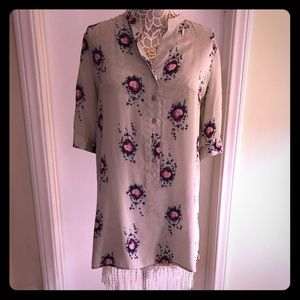 Beautiful tunic with swan print