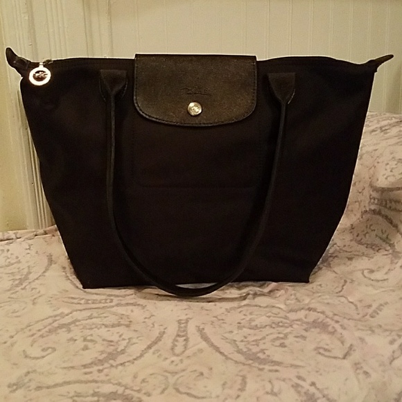 bc3f4244c Longchamp Handbags - Black medium Longchamp tote
