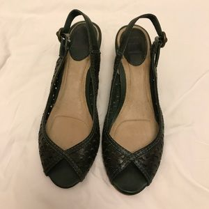 Frye never worn green leather sandals