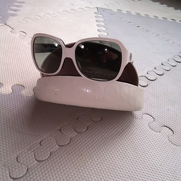 ae6c1e5acf611 get coach sunglasses hc 8043 bridget white black 275cc e52b2