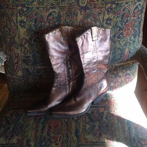 BCBG BronzeSexy Cowgirl Boots 8 1/2B Excellent!