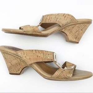 SOFFT Cork Wedge Sandals 9 Leather Gold Details