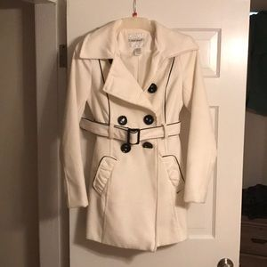 White and black Peacoat size M
