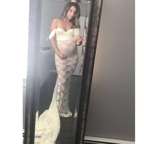 b6977353d9c0d Sew trendy maternity lace gown. M_5a202ab4f0928255bf03424d
