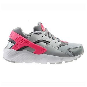 Nike Shoes - Girls pink   grey Huarache Nike 👟 a0c3fa8ba