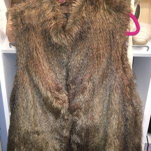Rachel Zoe faux fur vest size 1X EUC