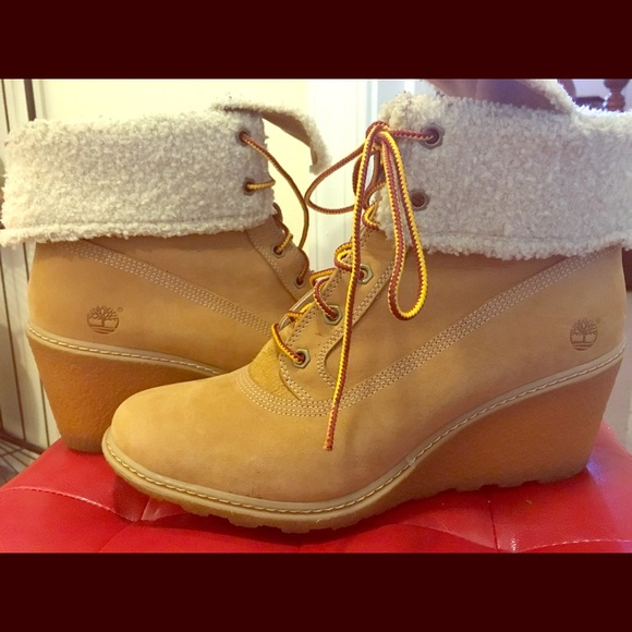 Womens wedge heel Timberlands in Wheat. M 5a20463deaf030574d03cfd2 4b2c0c6a29ce