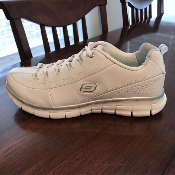 Nwot Skechers Elite Memory Foam Sneaker
