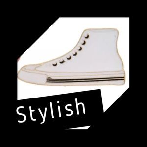 Jewelry - 🆕 White Hightop Enameled Sneaker Pin