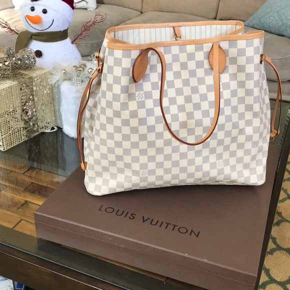 8127adcfb826 Louis Vuitton Handbags - Authentic Louis Vuitton Neverfull GM
