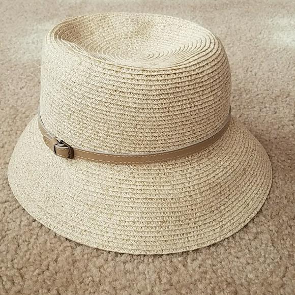 Nine West straw bucket hat. M 5a206287fbf6f96e51043889 3be21ee75f6