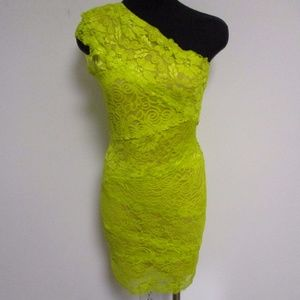 BEBE Citrine Lace Bodycon One Shoulder Dress Med