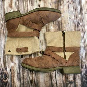 Roxy brown and canvas material booties