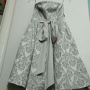 NY&C Gray Flora Strapless Dress Size 10 Petite