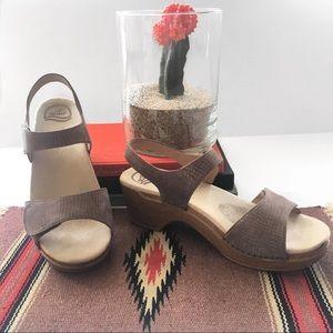 """Shoes - Dansko """"Sonnet"""" Sandal in metallic- like new! Sz42"""