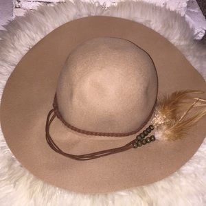 Kendall and Kylie felt hat