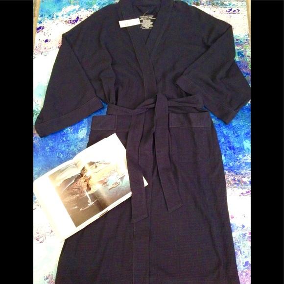 9f435931a9 NWT - COVINGTON - Men s Navy Robe