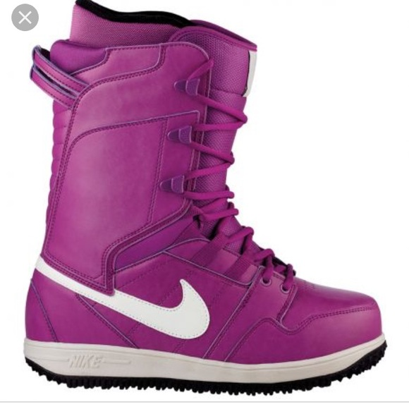 8ac9eb64043f Nike Vapen womens snowboard boots. M 5a208619fbf6f91cb30060f0