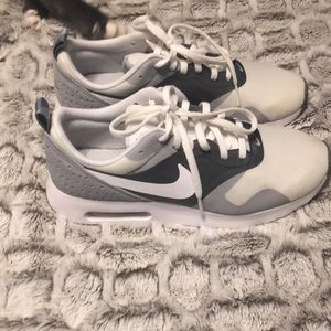 Men's size 6. Can be worn as women's size 7.5