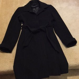 Black wool Kenneth Cole trench coat with belt