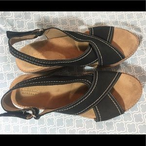 faf0f6f8ae2 Clarks Shoes - Clarks wedges US Size 8.5 - PRISTINE