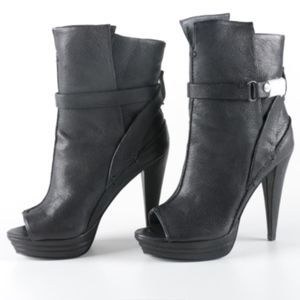 NWOB 7 for all mankind 'Raven' booties