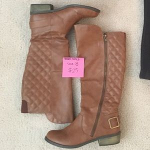Shoes - FREE Quilted riding boots