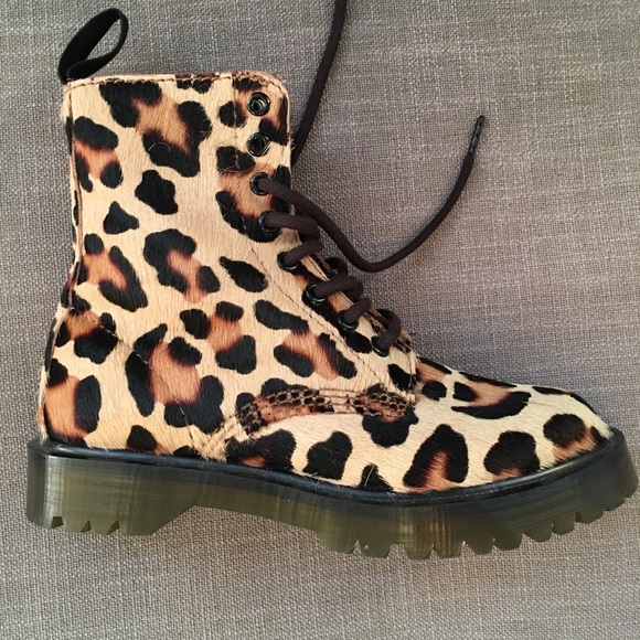 leopard print dr martens Dr Martens