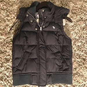 Abercrombie and Fitch Navy Puffy Vest