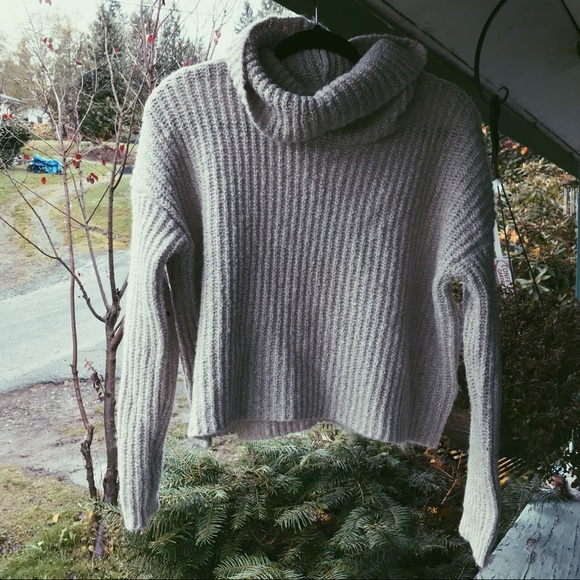 c5e4cd3d67f Forever 21 Sweaters - Forever 21 Oatmeal Turtleneck Sweater