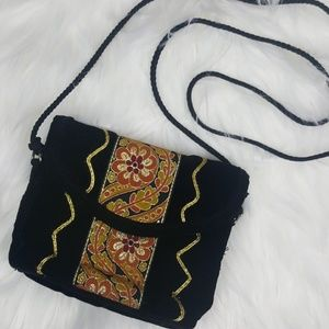 🎁 70's Vintage Black Velvet Tapestry Mini Handbag
