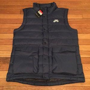 841cad2ff997 Nike Jackets   Coats - MEN S NIKE SB 550 DOWN FILLED VEST