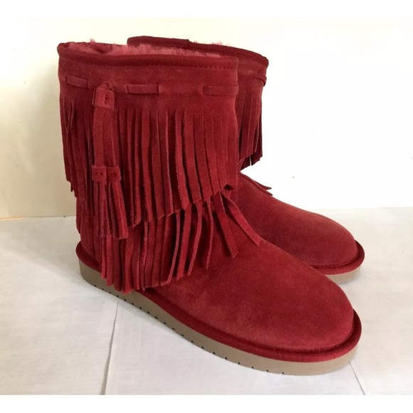 98d4324aa1c Koolaburra by Uggs Red Fringe Boots NWT