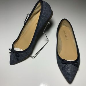 🚺 TALBOTS womens 7W chambray pointed toe flats