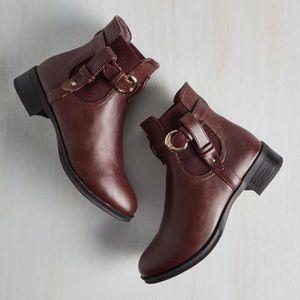 Size 9 Burgandy Boots