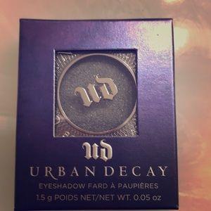 HP best in makeup NIB Urban Decay Eyeshadow