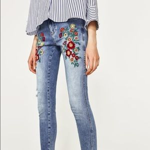 New Zara embroidery jeans