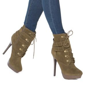 ShoeDazzle Olive Bootie Pump - NEW