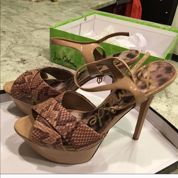 bb510a379039 NWT Sam Edelman snake skin heels